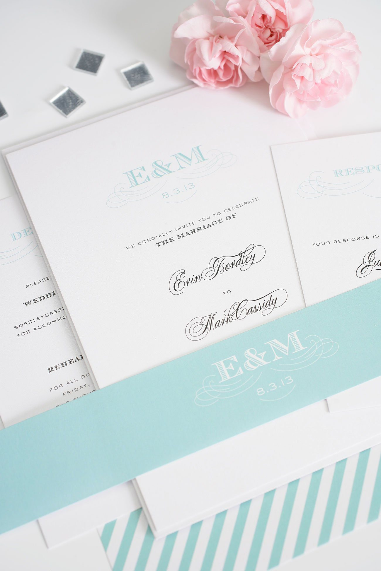 Pretty wedding invitations in aquamarine