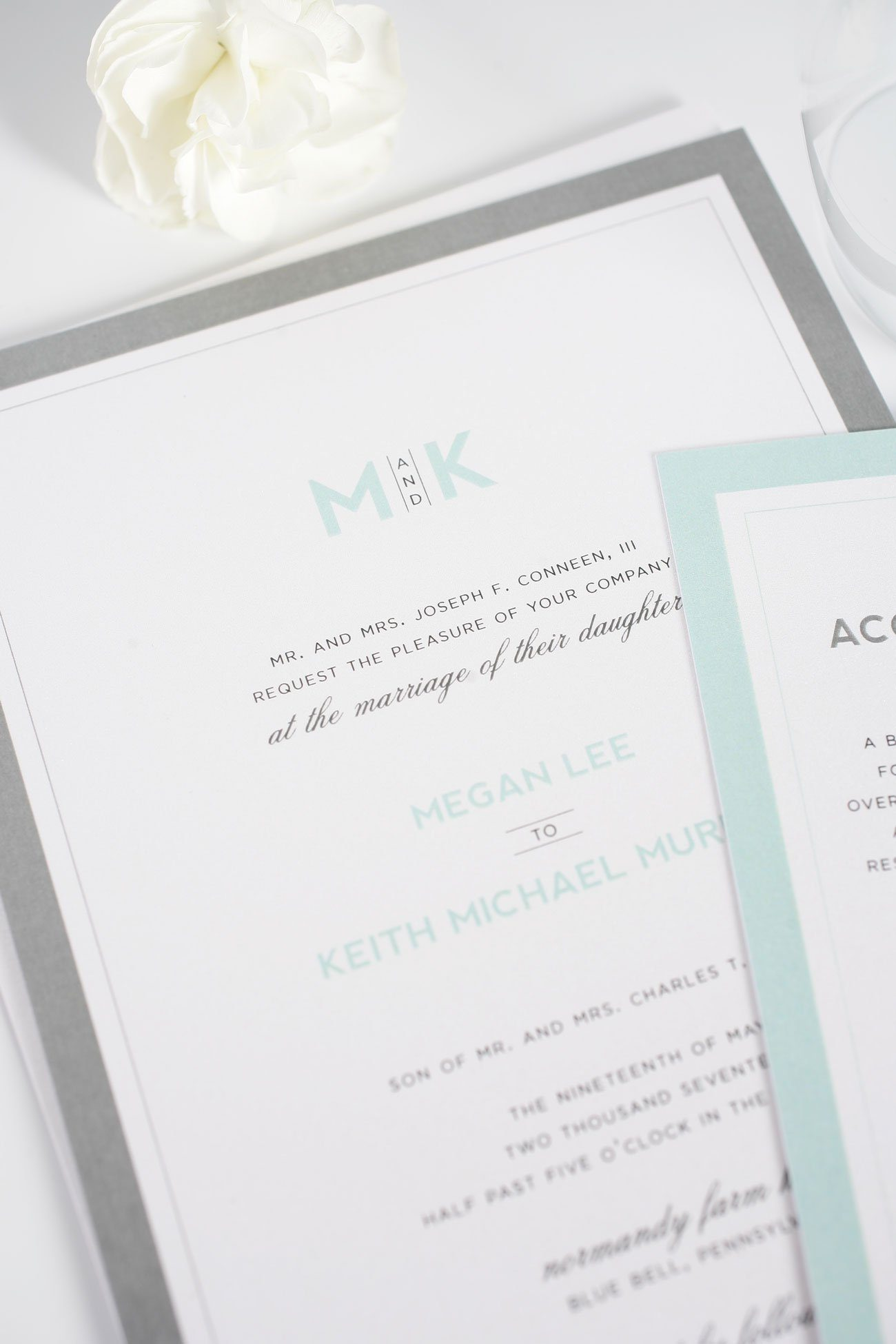 Contemporary wedding invitations in mint