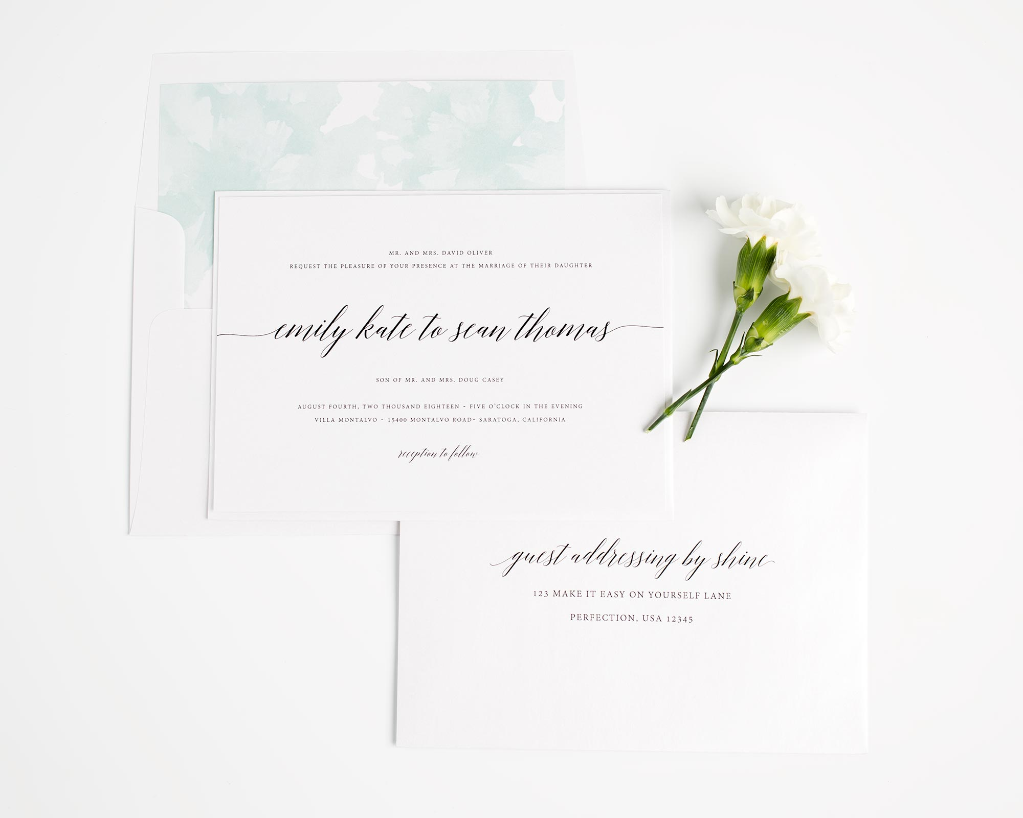 Delicate Wedding Invitations in watercolor