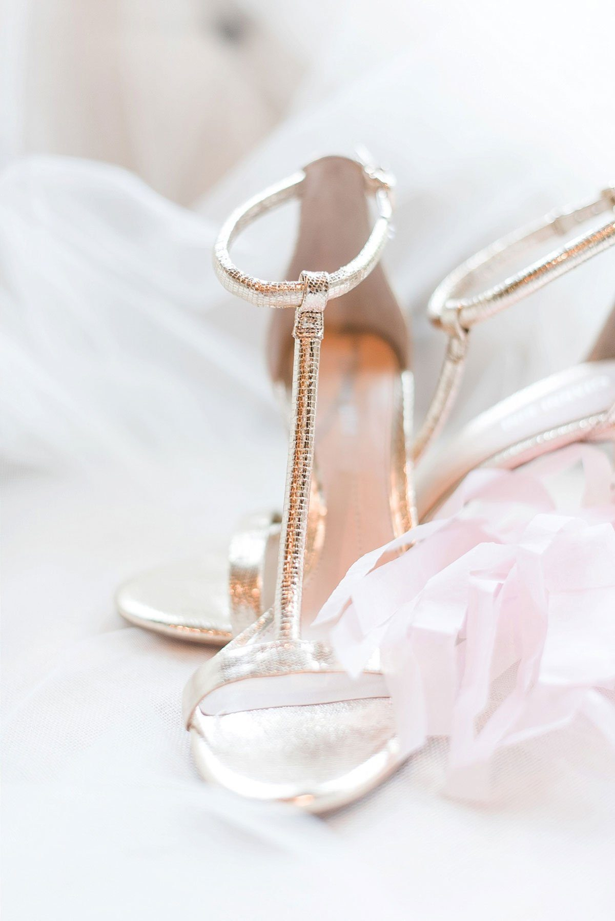 Simple Gold Wedding Shoes